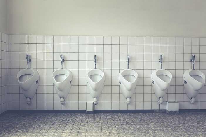Comment déboucher des WC
