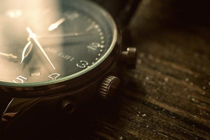 Consommation, montre, montre en bois